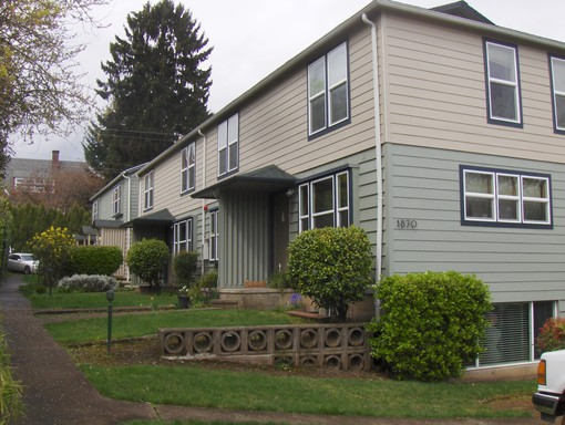 1870 Onyx St #A, Eugene, OR 97403
