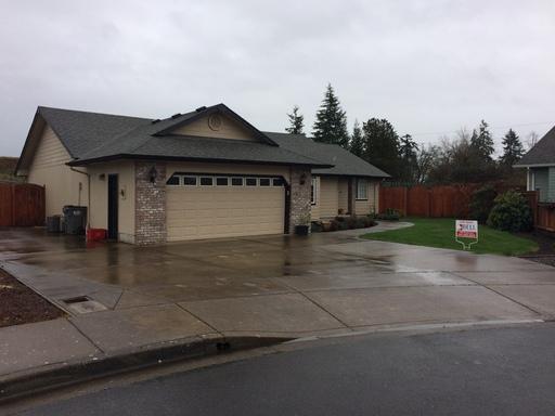 2347 Sony Loop, Eugene, OR 97404
