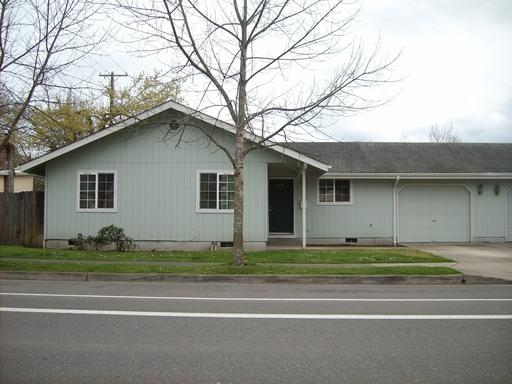 930 East 24th Street, Eugene, OR 97405