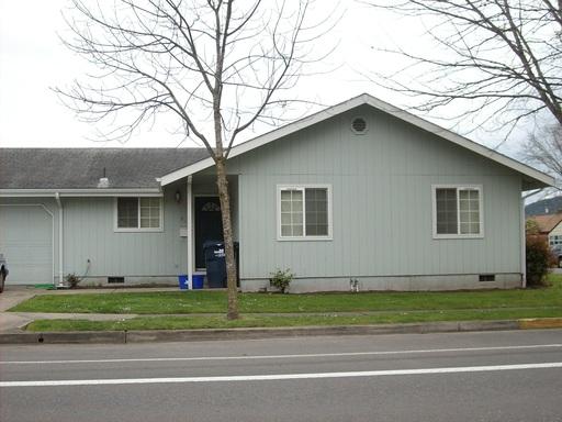 940 East 24th Street, Eugene, OR 97405