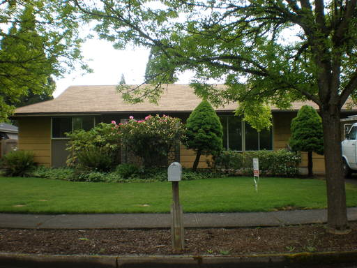 2266 Birchwood , Eugene, OR 97401