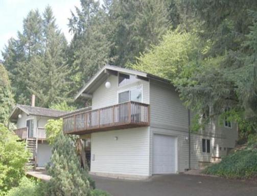 3585 Emerald St, Eugene, OR 97405