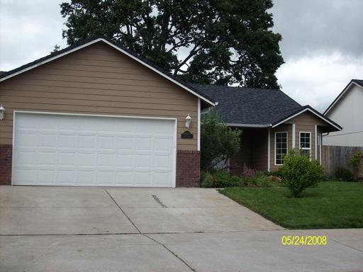 1049 Argon Ave, Eugene, OR 97404