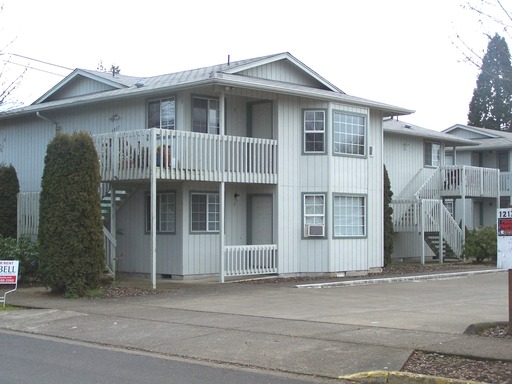 1217 R Street #8, Springfield, OR 97477