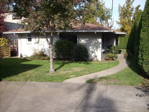 960 W 11th Ave, Eugene, OR 97402