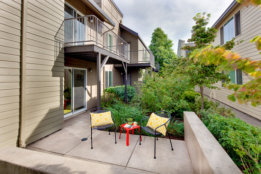 135 East 19th Ave #4, Eugene, OR 97401