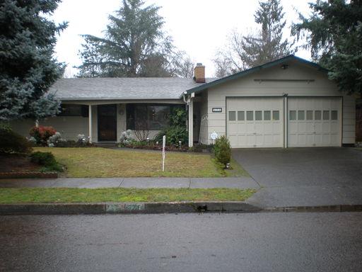371 Ivanhoe Ave , Eugene, OR 97404