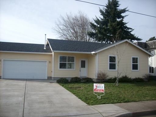 99 No. 10th  Street, Creswell, OR 97426