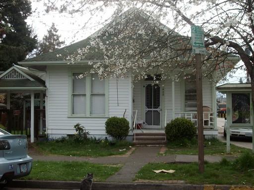 1458 Ferry Street, Eugene, OR 97401