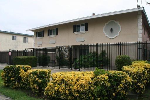 Apartment for Rent in Bellflower