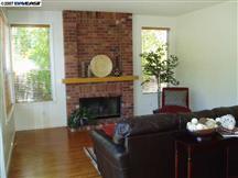 Creekside_Dr._8333_Dublin_Livingroom.jpg