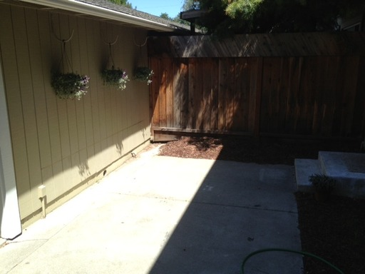 Lawnview_Cir.__115__Danville-_Yard.jpg