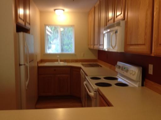 2405 w lincoln 16 16 yakima wa 98902 for Hardwood floors yakima wa