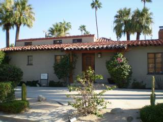 Apartment for Rent in Palm Springs