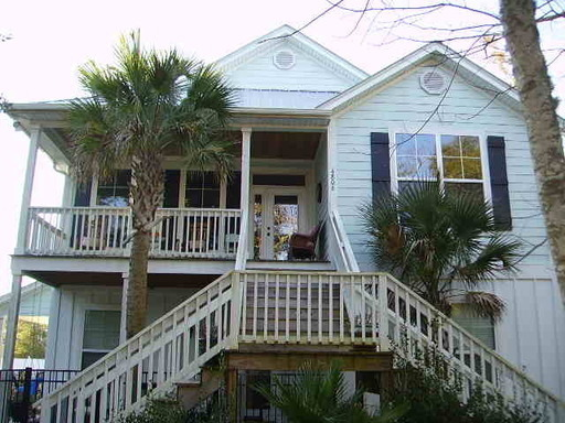 Move In Now!  Enjoy The Season! 4 Bedroom, 3 Bath  Two Story Home In Murrells Inlet!