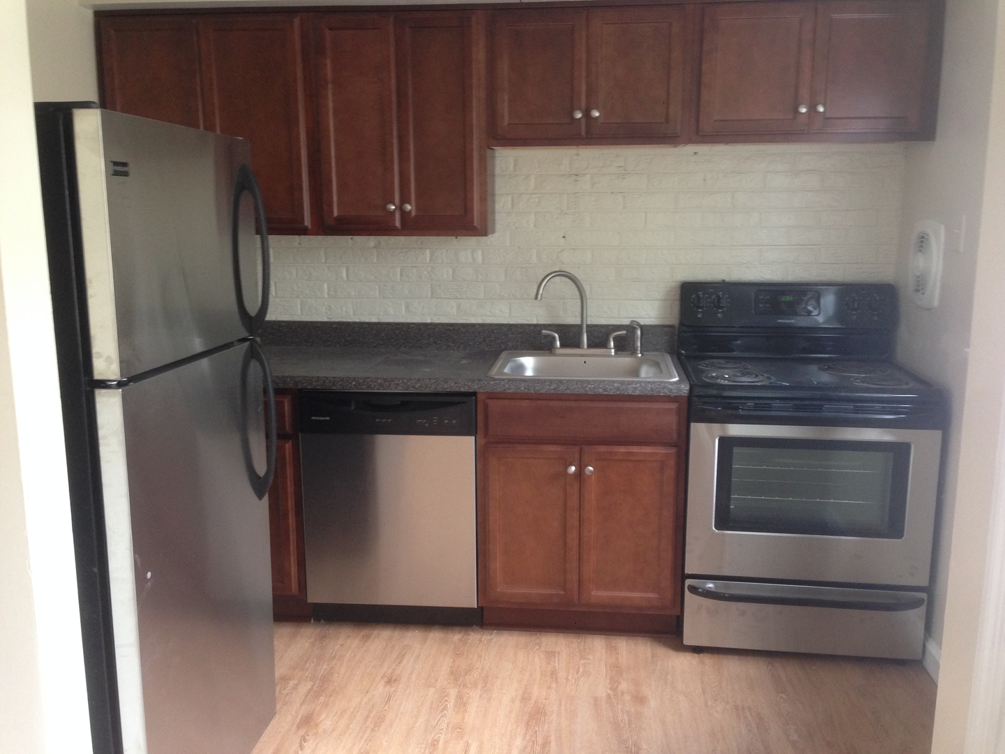 Uncategorized Kitchen Appliances Richmond Va 5012 cedarbend lane richmond va 23237 hotpads kitchen appliances rental listings va