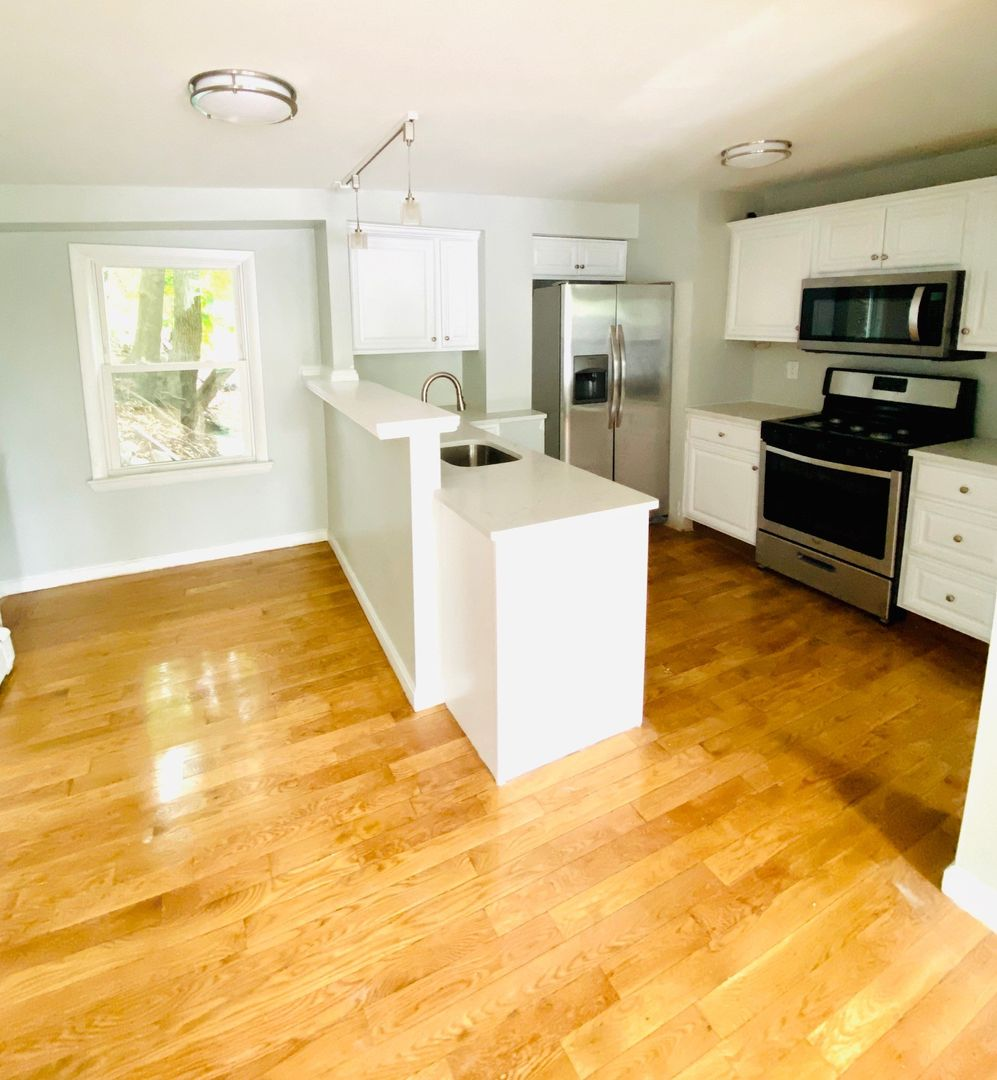 3 Beds, 1 Bath apartment in Boston for $2,900