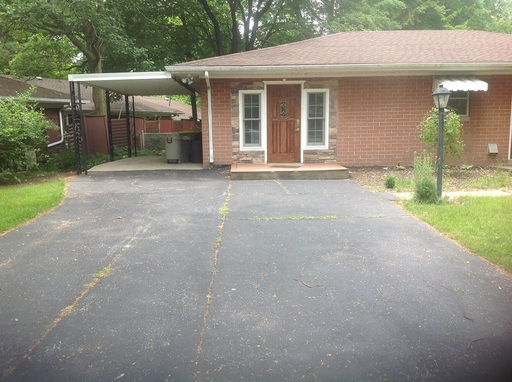 $1200.00 per month  1705 Summit