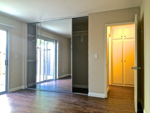 Apartment for Rent in Tustin
