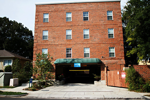 110 south roberson street stonecrop 6b chapel hill nc 27516. Black Bedroom Furniture Sets. Home Design Ideas