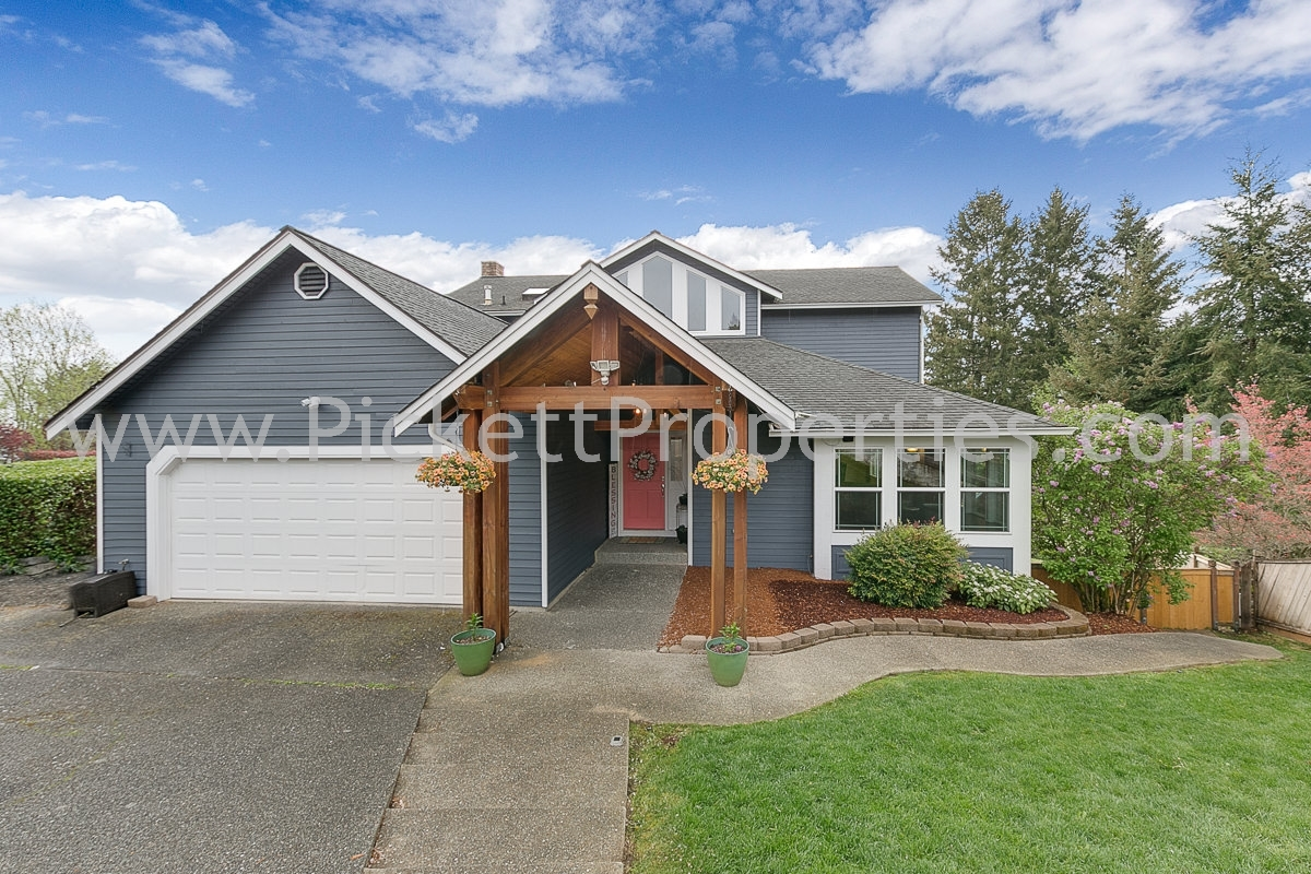 Stunning Silverdale Home with View