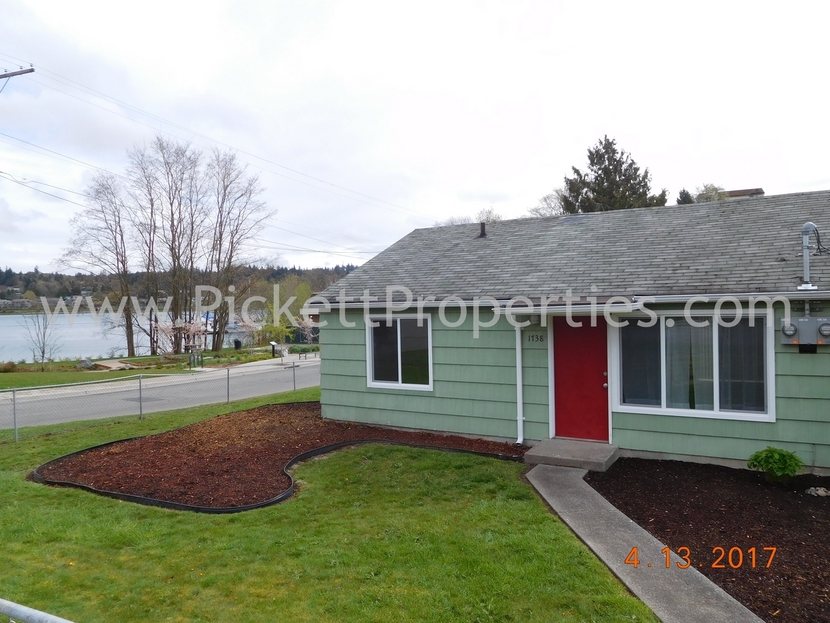 Charming Duplex with Lots of Upgrades
