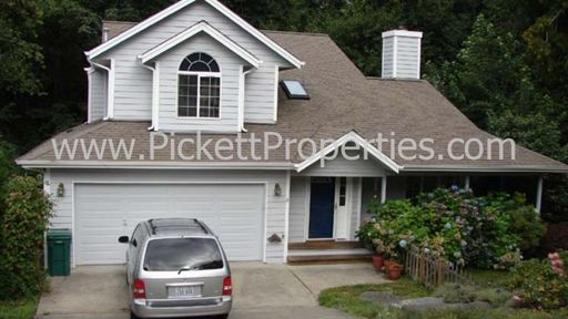 Large Home Quiet Central Kitsap Neighborhood