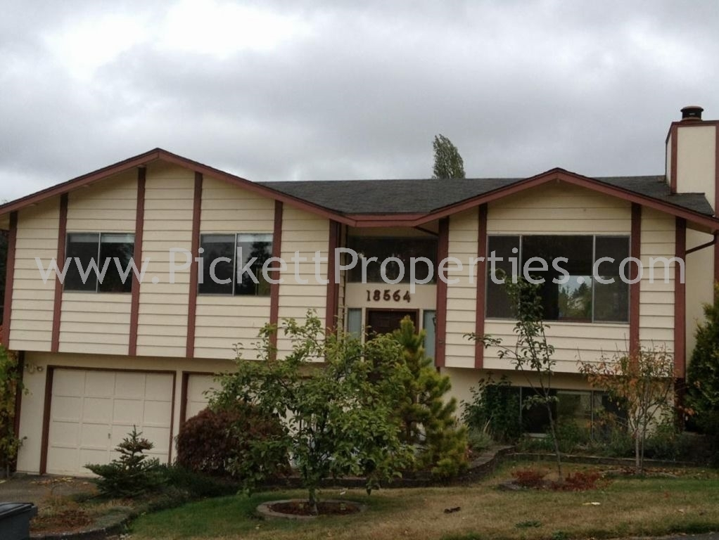Spacious Home in Great North Kitsap Location