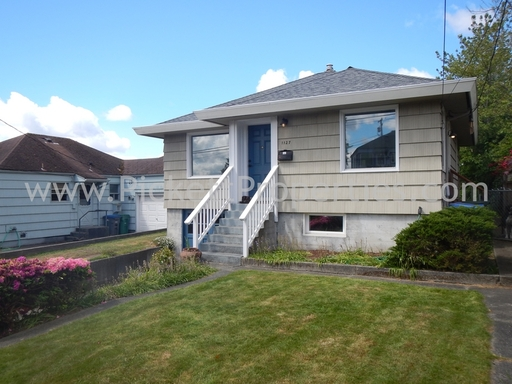 Great Home In Charming Manette Community
