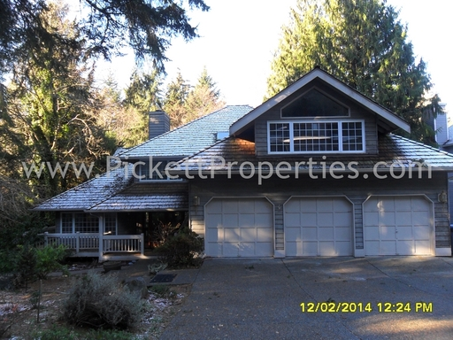 Must See Large Home in Central Kitsap