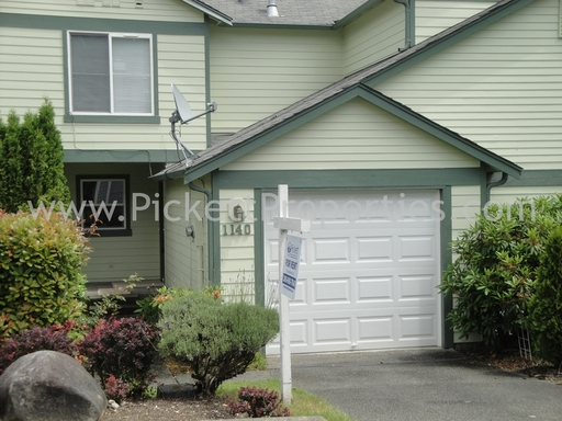 Townhouse in Great Central Kitsap Location