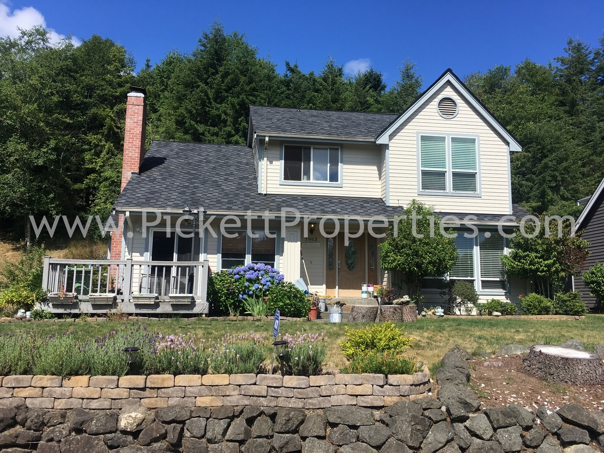 Beautiful Home Close to Old Town Silverdale