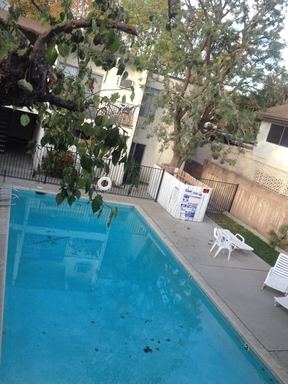 Apartment for Rent in Tarzana