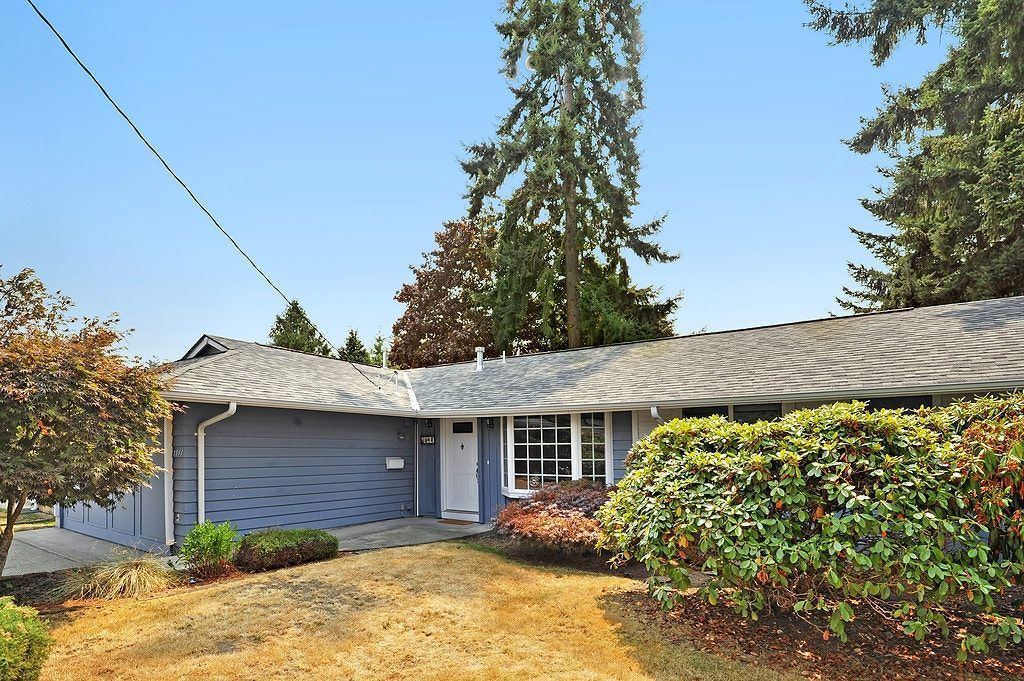 Groovy 3917 Ne 11Th Pl Renton Wa 98056 Rental Listing Real Home Interior And Landscaping Eliaenasavecom