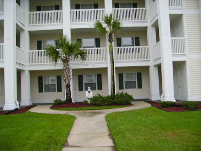 Newly Updated 1 Bedroom Condo In River Oaks