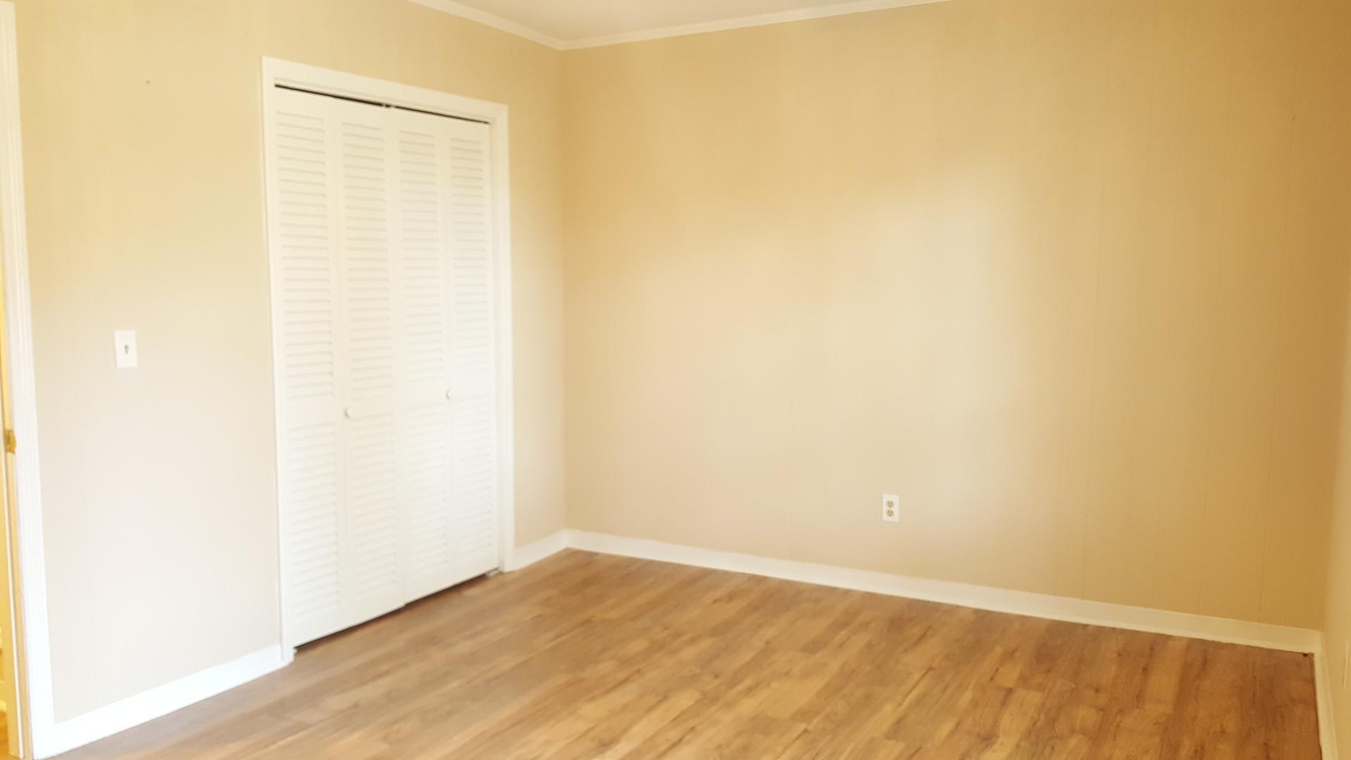 2 Bedroom Townhome W/ Wood Floors Golf Capital