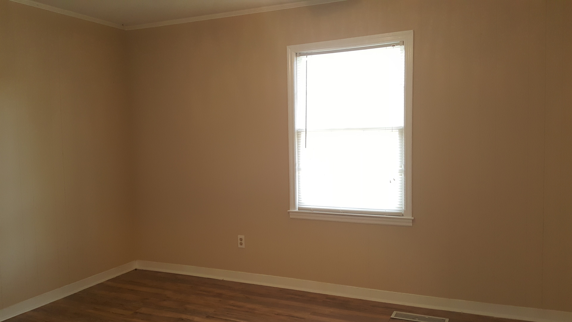 2 Bedroom Townhome W/ Wood Floors Golf Group