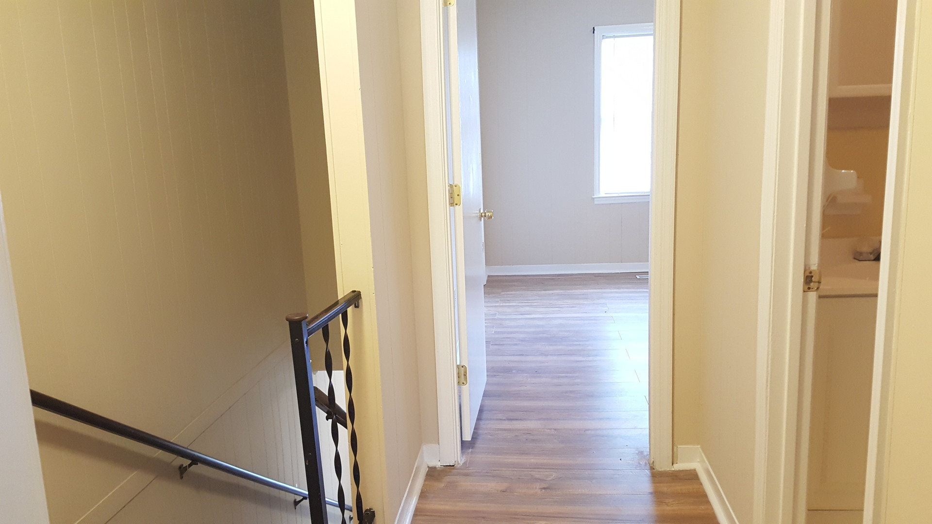 2 Bedroom Townhome W/ Wood Floors Ocean Living