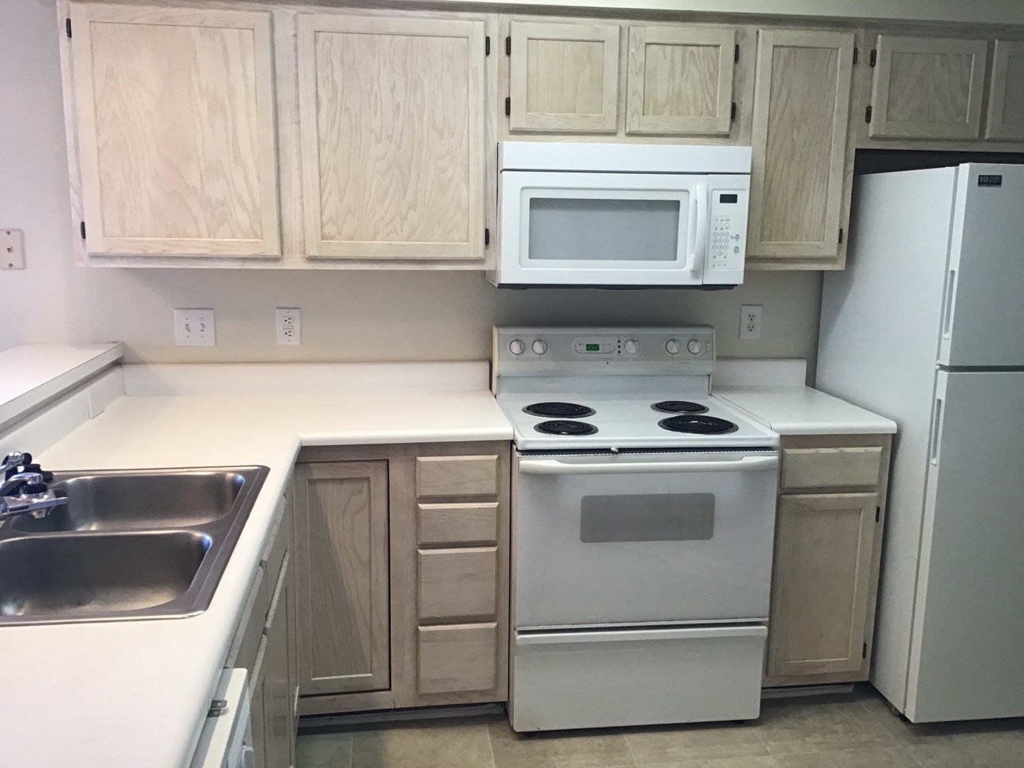 Fully Furnished 2 Bedroom Condo