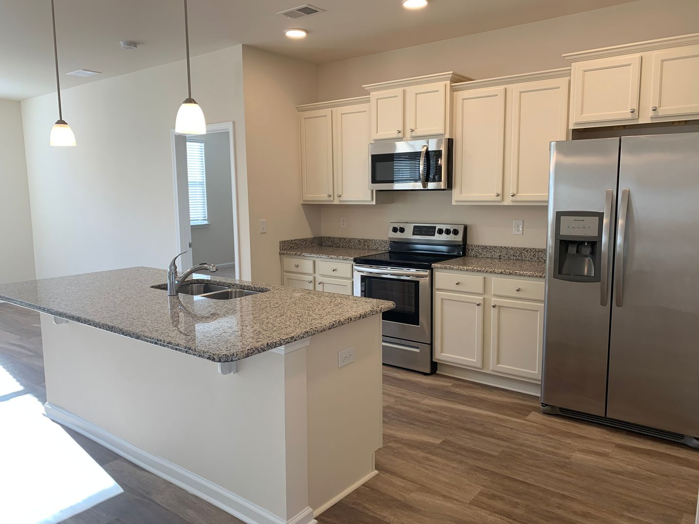 Brand New 3 Bedroom Home In Desirable Market Commons