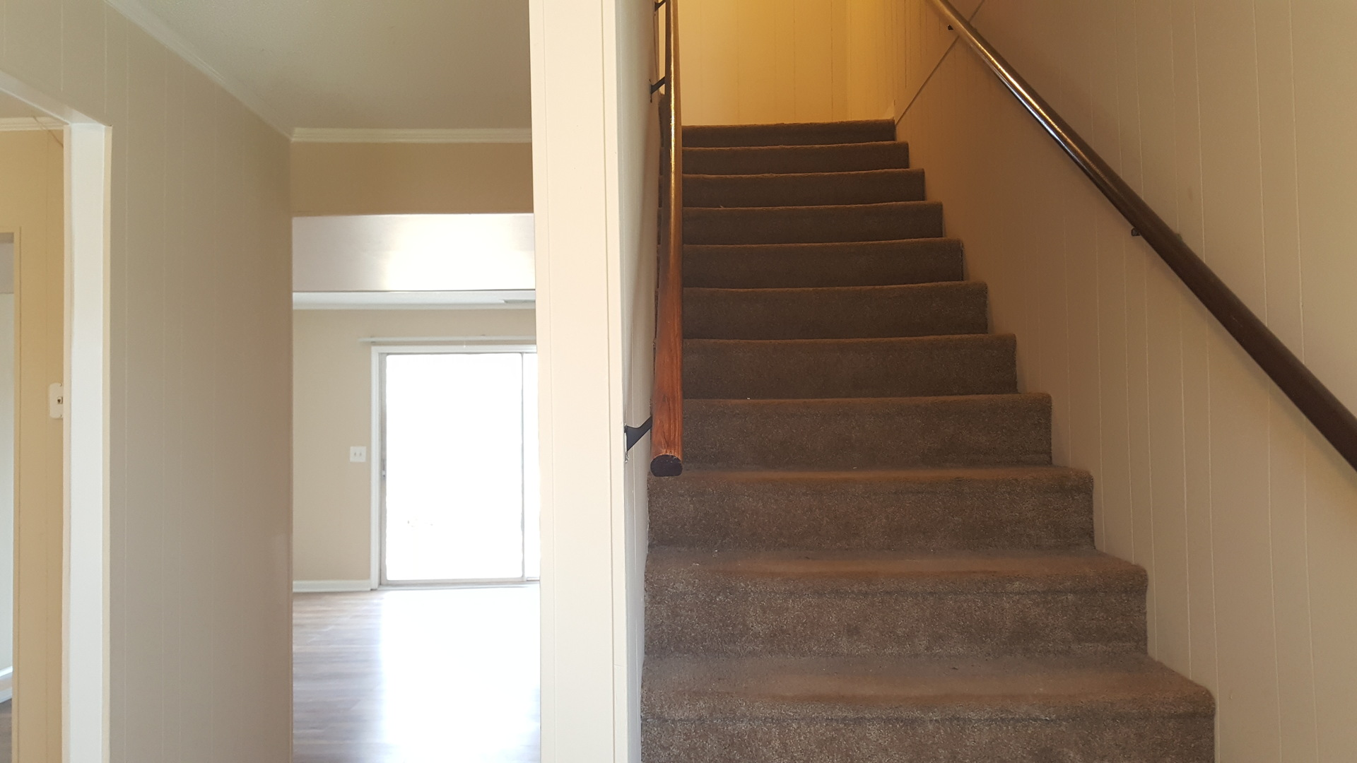 2 Bedroom Townhome W/ Wood Floors Property Management