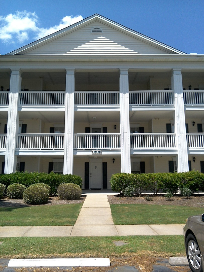 Large Unfurnished Condo In Windsor Green