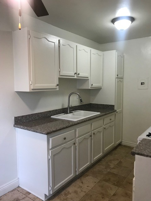 image 2 unfurnished 2 bedroom Apartment for rent in Garden Grove, Orange County